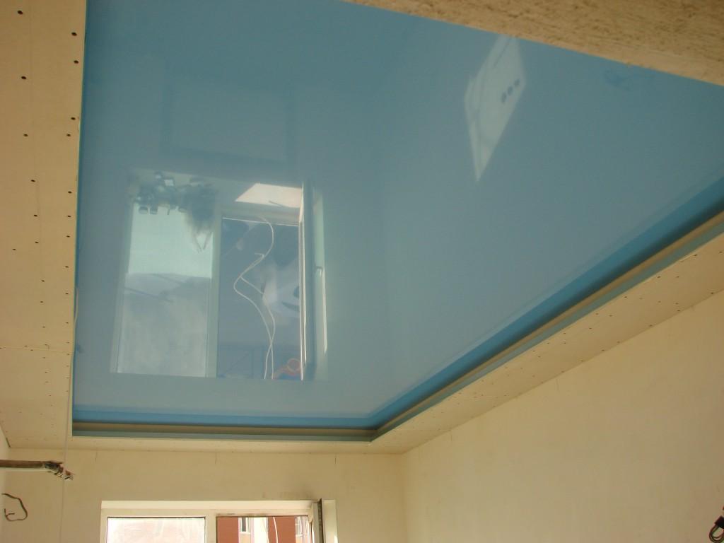 Двухуровневый гипсокартонный и натяжной потолок